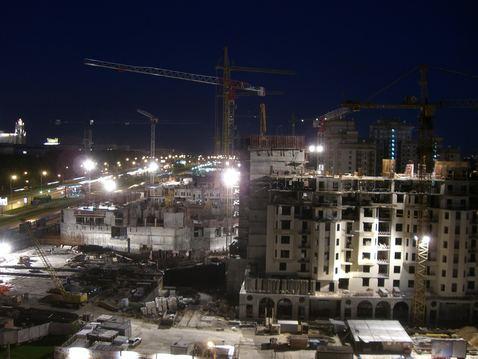 Moskau Baustelle bei Nacht